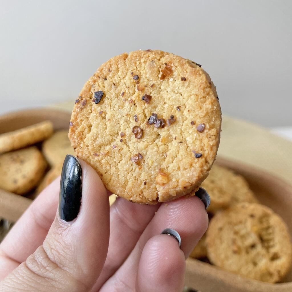 Biscuits keto sésame parmesan piment